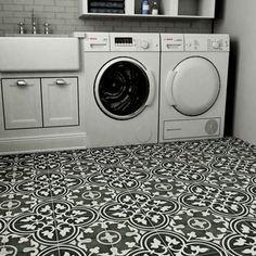 SomerTile 9.5x9.5-inch Art Black Porcelain Floor and Wall Tile (Case of 16)