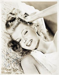 Portrait of Rita Hayworth. Hollywood Icons, Old Hollywood Glamour, Hollywood Actor, Vintage Hollywood, Hollywood Stars, Classic Hollywood, Hollywood Divas, Hollywood Cinema, Vintage Glamour