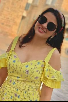 Beautiful Girl Photo, Beautiful Girl Indian, Beautiful Models, Cute Photos, Girl Photos, Family Photos, Ms Dhoni Wife, Ms Dhoni Photos, Indian Girls Images