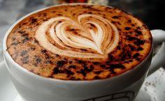 Рисунок на кофе фото