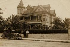 """Historic Southernmost House (c 1897) - served as a speakeasy during Prohib - 1940 night clb """"Cafe Cayo Hueso"""" (served Hemingway, Tenn. Williams, Gore Vidal, Truman Capote, Louis Armstrong, Charles Lindbergh) - As private residence hosted pres Truman, Eisenhower, Kennedy, Nixon & Carter"""
