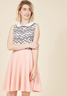 <p>You, grow weary of quirky style? Never, especially with this twofer dress on the scene! Topped with a white collar piped in black, starring a lipstick-printed bodice - touting tubes of mint and peach - and completed with a pink, pocketed skirt, this A-line is the perfect pick for when you're 'pout' and about.</p>