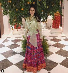 Dabiricouture || colourful summer lehenga #dabiri #handembroidery #lehenga #colorful #mehendi #mehendioutfit #butterfly #indianwedding #indianoutfit