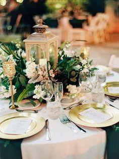 Lantern Centerpiece Wedding, Wedding Lanterns, Wedding Table Centerpieces, Flower Centerpieces, Wedding Decorations, Table Decorations, Flower Arrangements, Centerpiece Ideas, Floral Wedding