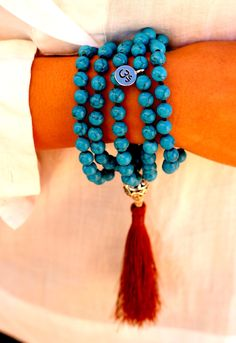 I AM DIVINE Howlite Turquoise Gemstone Mala necklace provides Calmness, Guidance and Truth. Merubeads Howlite Turquoise Mala is made with the traditional 108 beads, Guru bead and Silk Tassel. Merubeads are made from natural healing gem & stones, carefully Hand crafted & Hand knotted with love and intention.