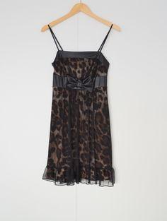 Jurk met leopard print Merk: Bonprix Maat: 36/38 Shop via https://shop.beautytalk.be/product/jurk-met-leopard-print-bonprix/