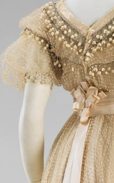 29-10-11 Wedding Gown, Jeanne Paken, 1910 Both - from the Metropolitan Museum collection.