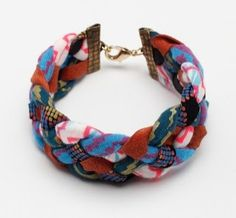 Couture : bracelet avec des chutes de tissus                                                                                                                                                      Plus