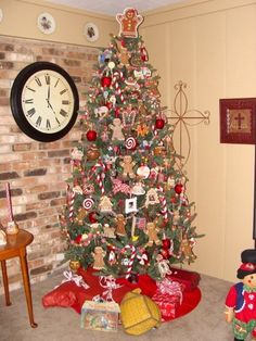 261 best GINGerbread Christmas tree images on Pinterest | Christmas ...