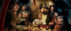 """""""El Hobbit"""" (2012)  Una película donde los problemas se discuten alrededor de una mesa."""
