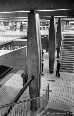 Montréal Metro: Guy Station, Montréal, Québec  Photo by Richard Guimond ©1973 19731208 015(3)f  Nikon F 35mm f3.5 Tri-X 800ASA Acufine