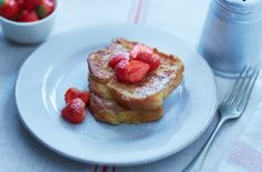 Enjoy the perfect dessert with this delicious french toast with vanilla and cinnamon. Find this recipe and hundreds of other desserts at Tesco Real Food today!