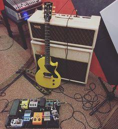 Диалоги Music Do, Music Instruments, Guitar, Musical Instruments, Guitars