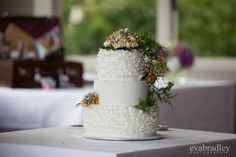 Woodland wedding cake by Cherry Blossom Cakes NZ #destinationwedding #queenstown #newzealand