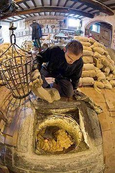preparación del formaggio di fossa