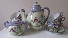 Vintage Gifts, Vintage Postcards, Vintage Green, Vintage Floral, Chinese Tea Set, Vintage Birthday Cards, Red Berries, Sugar Bowl, Cup And Saucer
