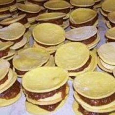 Lemon Curd Pavlova, Chilean Recipes, Food Bowl, Empanadas, Scones, Dishes, Cookies, Breakfast, Cake