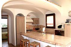 """Budoni Sardegna - Elegante appartamento al primo e ultimo piano libero sui quatto lati, progettato e arredato dall'Architetto Lesuisse, inserito all'interno del complesso denominato """" Residence Tanit """" 800 metri dalla spiaggia di Budoni e 50 metri dalla passeggiata serale estiva e negozi. www.orizzontecasasardegna.com #budoni #vendita #immobiliare #agenzia #sardegna #sardinia #sales #realestate"""