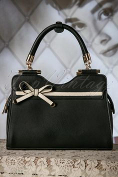 La Parisienne - 40s Audrey Bow Handbag in Black and Cream