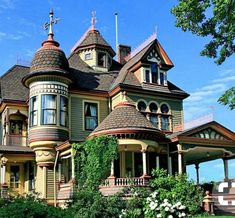 Tunkhannock Storybook Mansion, Pennsylvania - My favorite House in my favorite home town Victorian Architecture, Beautiful Architecture, Beautiful Buildings, Beautiful Homes, House Architecture, House Beautiful, Architecture Details, Victorian Style Homes, Victorian Houses