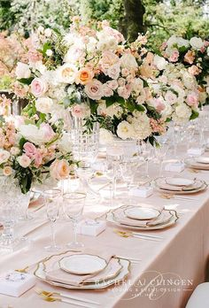 Nude wedding photos are ideal for romantic and sensual couples. They will be able to transfer your tender feelings to the pages of the wedding album. Wedding Table Flowers, Wedding Decorations, Wedding Colors, Simple Elegant Wedding, Colorful Garden, Decoration Table, Flower Centerpieces, Wedding Photos, Wedding Ideas