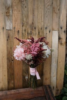 Ramo de novia romántico en tonos pastel