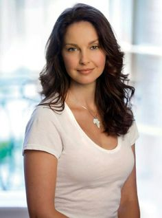 Watch and enjoy our latest collection of ashley judd images for your desktop, smartphone or tablet. These ashley judd images absolutely free. Ashley Judd, Beautiful Celebrities, Beautiful Actresses, Most Beautiful Women, Beautiful People, Female Actresses, Actors & Actresses, Actrices Hollywood, Le Jolie