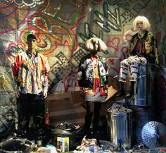 Though wildly different, both Screaming Mimi's and Bergdorf's windows showcase the situational camouflage of standing out and blending in Window Display Retail, Window Displays, Fashion Retail Interior, Fashion Displays, Graffiti Wall, Store Windows, Urban Chic, Window Design, Retail Design