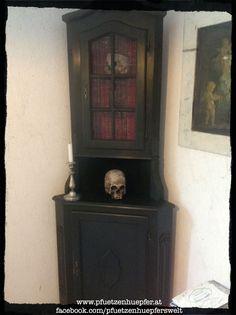 PfUeTzEnHuEpFeR`s Welt www.pfuetzenhuepfer.at #pfuetzenhuepfer #vintage #chalkpaint #diy #upcycling #interior #deko #vampire #666 #kingvlad