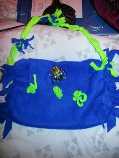 Check out this item in my Etsy shop https://www.etsy.com/listing/215883796/beadles-spider-purse