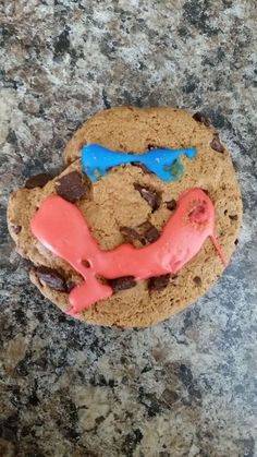 This cookie, which will stare right into your soul. | 19 Dessert Fails That Will Chill You To Your Very Core
