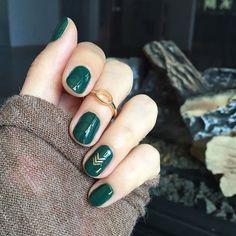Маникюр в зеленых тонах или как носить главный цвет 2017 года