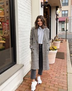 "78ca2f08d36 Viviane Audi on Instagram  ""Add a long coat to make any outfit look more  put together 🖤 . . . . .  vivianewear Shop my daily looks by following me  on the…"""
