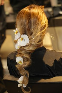 Alessia #Solidani #corso #acconciatura #capelli #hair #blondie #hairstylist #sposa #bride #wedding #flowers accessories