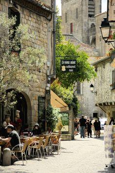 La apacible vida de Carcassonne, Francia