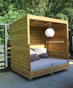 Lav dit eget shelter på hjul - Bettina Holst Blog Backyard Furniture, Diy Outdoor Furniture, Pallet Furniture, Outdoor Decor, Backyard Patio Designs, Backyard Projects, Backyard Landscaping, Outdoor Projects, Wood Projects