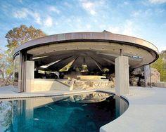 John Lautner's Elrod House.  Joshua White / Courtesy Palm Springs Art Museum