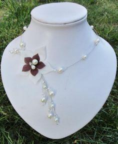 collier mariée mariage soirée perles et fleur de soie ivoire et chocolat crystal