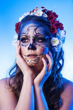 Sugar skull by LuAndra Whiteshurst Sugar Skull Girl, Sugar Skull Makeup, Sugar Skulls, Day Of The Dead Girl, Day Of The Dead Skull, Halloween Makeup Looks, Halloween Kostüm, Maquillage Sugar Skull, Dead Makeup