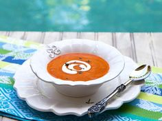 Healthy, vegan, yet still *creamy* tomato soup.  Use 2 Locavorious frozen stewed tomatoes.