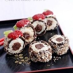 I have heard about Chocolate Sushi for the first time from my husband. He went on a business trip from last Wednesday to Friday and stayed at the Mariot Hotel, where they serve Chocolate Sushi as d… Dessert Sushi, Fruit Sushi, Kinds Of Sushi, Sushi Love, Just Desserts, Delicious Desserts, Dessert Recipes, Yummy Food, Sushi Recipes