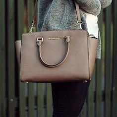 Michael Kors Handbags Find deals on handbags, crossbody bags, clutches, wallets and more.