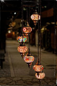 Latest Screen Moroccan Lanterns turkish lamps Suggestions Generally for some ornaments, Moroccan lanterns can be quite a great form of lighting effects to be able to in. Turkish Lamps, Moroccan Lamp, Moroccan Lanterns, Moroccan Style, Candle Lanterns, Candles, Ramadan Decorations, Home Lighting, Chandelier Lighting