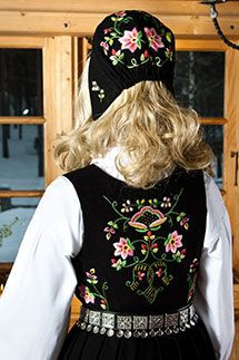 BUNADER -bunad from Lundeby Hedmark Folk Costume, Costumes, Folk Clothing, Historical Dress, Traditional Outfits, Norway, Folk Art, Scandinavian, Inspire
