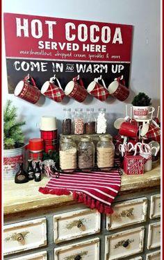 Christmas Hot Chocolate, Hot Chocolate Bars, Christmas Coffee, Cozy Christmas, Christmas Time, Coffee Bar Home, Home Coffee Stations, Coffee Bars, Gingerbread Christmas Decor