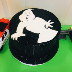 Ghostbusters cake by Meringue Delight.  . . . . . #meringue #delight #atlanta #atlantacakes #chocolate #love #good #sweet #nice #pretty #beautiful #wedding #weddingcake #cool #cakes #bolo #engage #engagement #parabens #doce #vanilla #strawberry #fruits #vanillacake #dripcake #chocolatelovers
