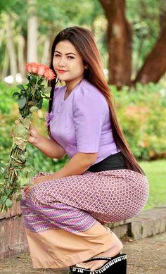 Myanmar Traditional Dress, Traditional Dresses, Beautiful Asian Women, Beautiful Celebrities, Myanmar Women, Sexy Women, Women Wear, Platform Flip Flops, Womens Flip Flops