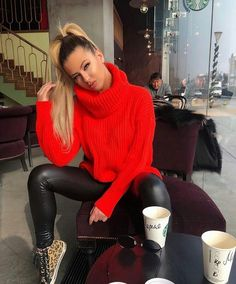 Mohair, piss and much more. Leather Trousers Outfit, Tight Leather Pants, Jumper Outfit, Leder Outfits, Outdoor Fashion, Mohair Sweater, Red Fashion, Fall Fashion, Fashion Outfits