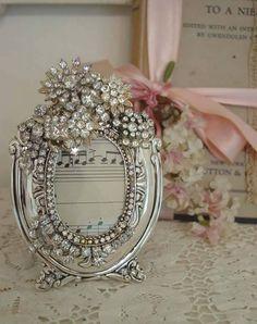pretty rhinestone jeweled picture frame