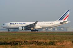 The 2009 crash of Air France Flight 447 has been blamed on the pilots after judges dropped manslaughter charges against Air France and Airbus. Air France, Malaysian Airlines, Aviation Industry, Aviation Blog, International Flights, Airline Flights, Emmanuel Macron, Aircraft Design, Sleep Deprivation
